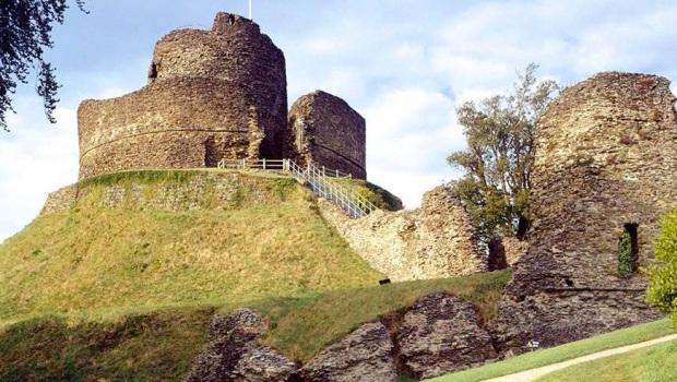launceston-castle-cropped.jpg